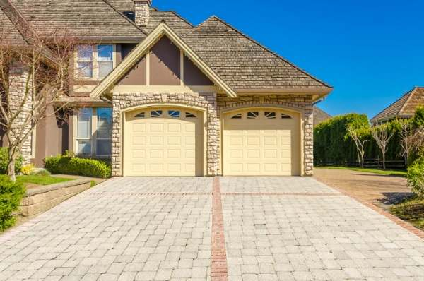 Garage Doors in Saint Cloud Florida